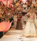 Sonam Kapoor for Rohit Bal for Aamby Valley India Bridal Fashion Week 2013-akkidokie(28)