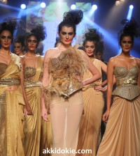 Cocktail and Red Carpet Glamour by Raakesh Agarvwal at Myntra Fashion Weekend