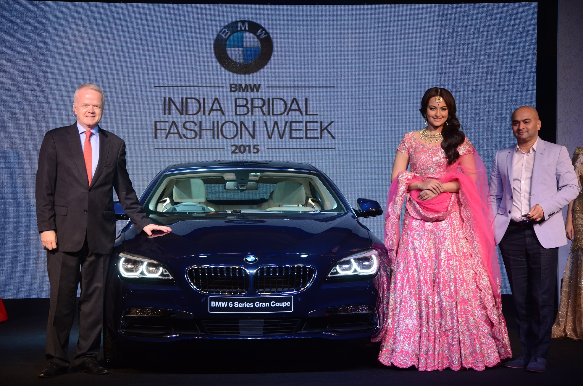 Left - Mr. Philipp von Sahr, Middle - Sonakshi Sinha, Right - Mr. Vijay Singh at the BMW IBFW announcement press conference