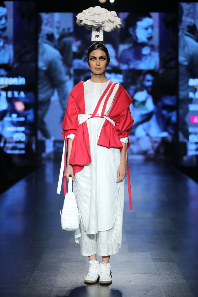 Honor 9 Lite Presents Nitin Bal Chauhan at FDCI AIFW AW 2018 (3)