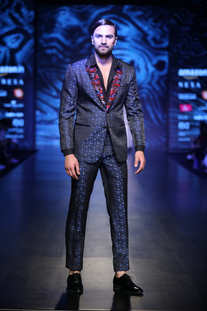 collection by Kommal and Ratul Sood at FDCI AIFW AW 2018 (2)