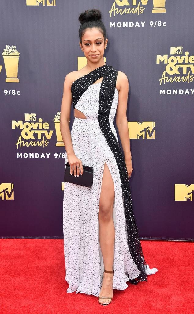 rs_634x1024-180616171803-634.liza-koshy-2018-mtv-movie-awards-red-carpet.ct.061618